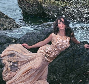 Ollia Rarisame-moda-designer-dress-love-robyzl-serendipity (2)