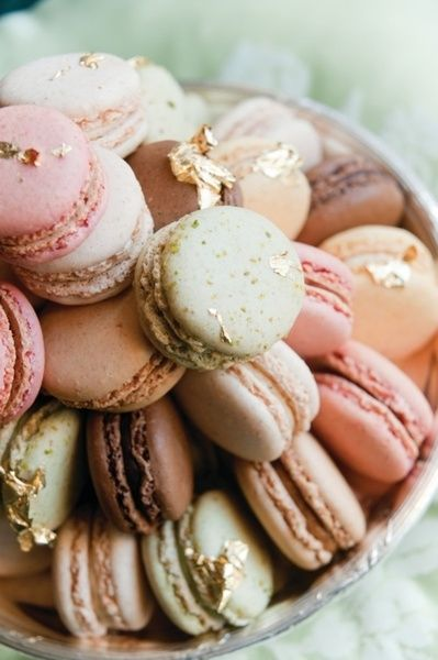 paris_macarons_love_robyzl_serendipity_torre_getty